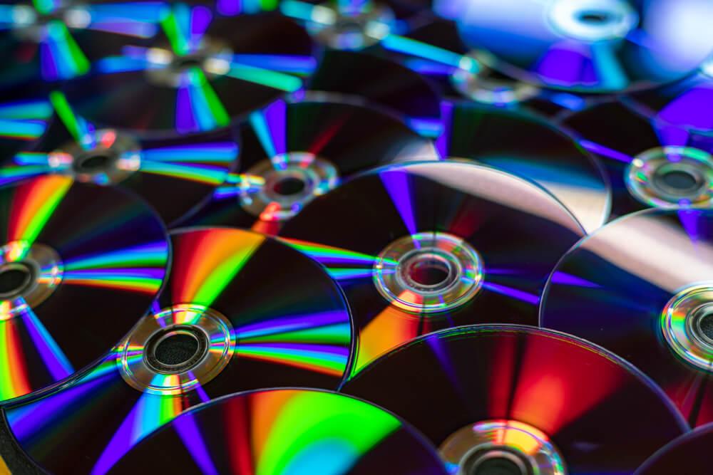 Viele DVDs verteilt